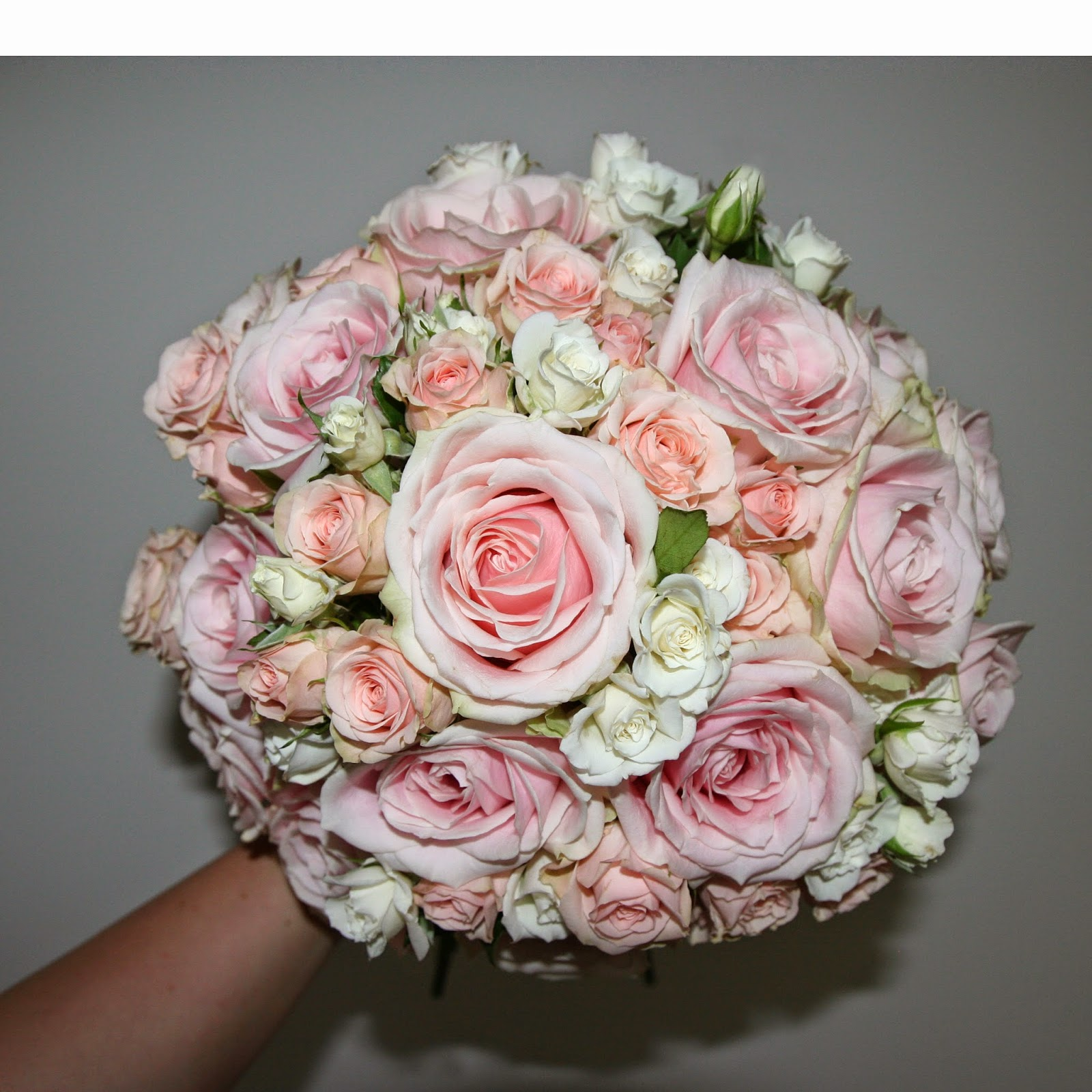 Heather Hartley: Pale pink rose bouquet, wedding at ...