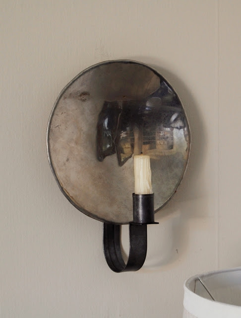 Frog Goes To Market Handmade Mirrored Sconce