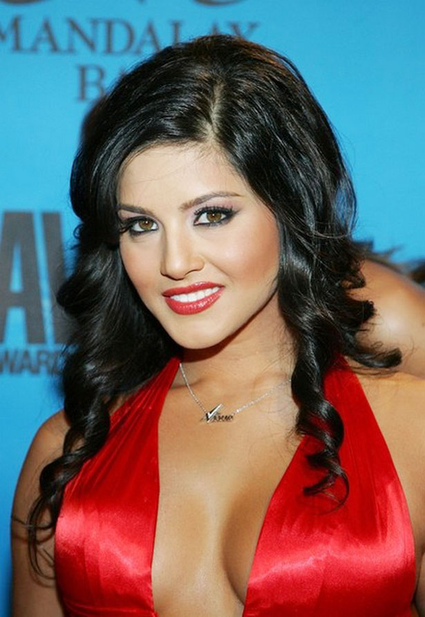 Sunny Leone Wallpapers As a Bollywood Actress Sunny Leone biography ...