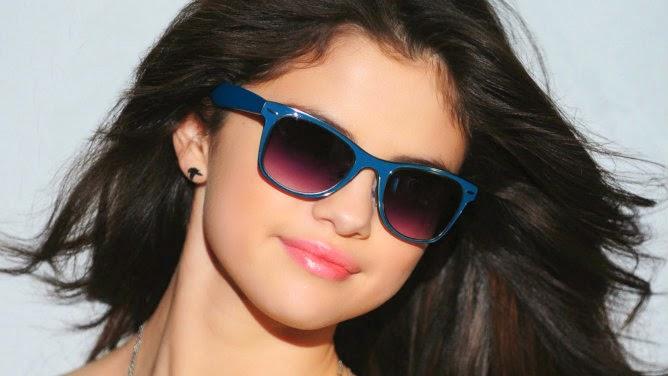 Peminat Kecam Selena Gomez Kerena Aset Yang Terlalu Besar