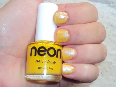 30 Days Nail Challenge. Day 3. Yellow nails.