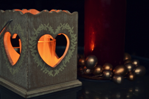 next-heart-wooden-candle-holder