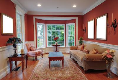 Diseño de interiores en salas con vista exterior