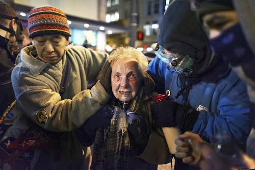 24 2011年最震撼人心的照片