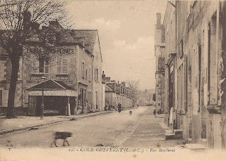 Rue Barberet à Cour-Cheverny (et place Victor Hugo)