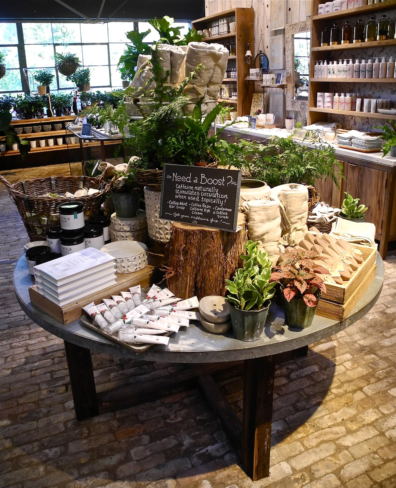 Paradis express terrain in westport for Table top display ideas