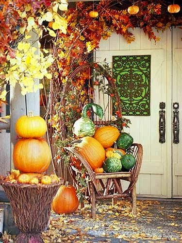 Dishfunctional designs autumn at your doorstep Fall outdoor decorating with pumpkins