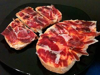 Cocina con Aníbal Tosta de salmorejo con jamón ibérico