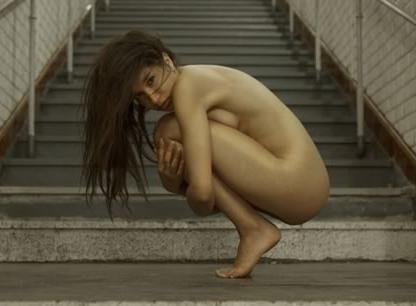reunirse mujer desnudo