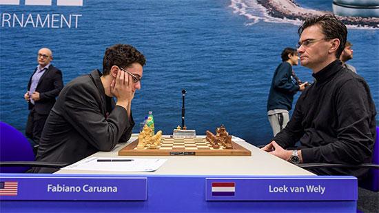 Ronde 12: Fabiano Caruana a joué une belle partie contre le Hollandais Loek Van Wely, conservant intactes ses chances de ravir l'or - Photo © Alina L'Ami
