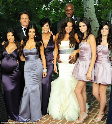 2D68932800000578-3272293-Lamar_and_Khloe_wed_on_TV_in_Keeping_Up_With_The_Kardashians_aft-a-20_1444826351850.jpg