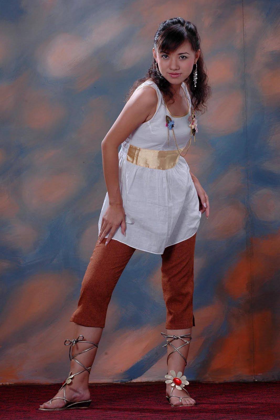 Myanmar Model, Ei Phyo Cherrys Colorful Fashion Photos