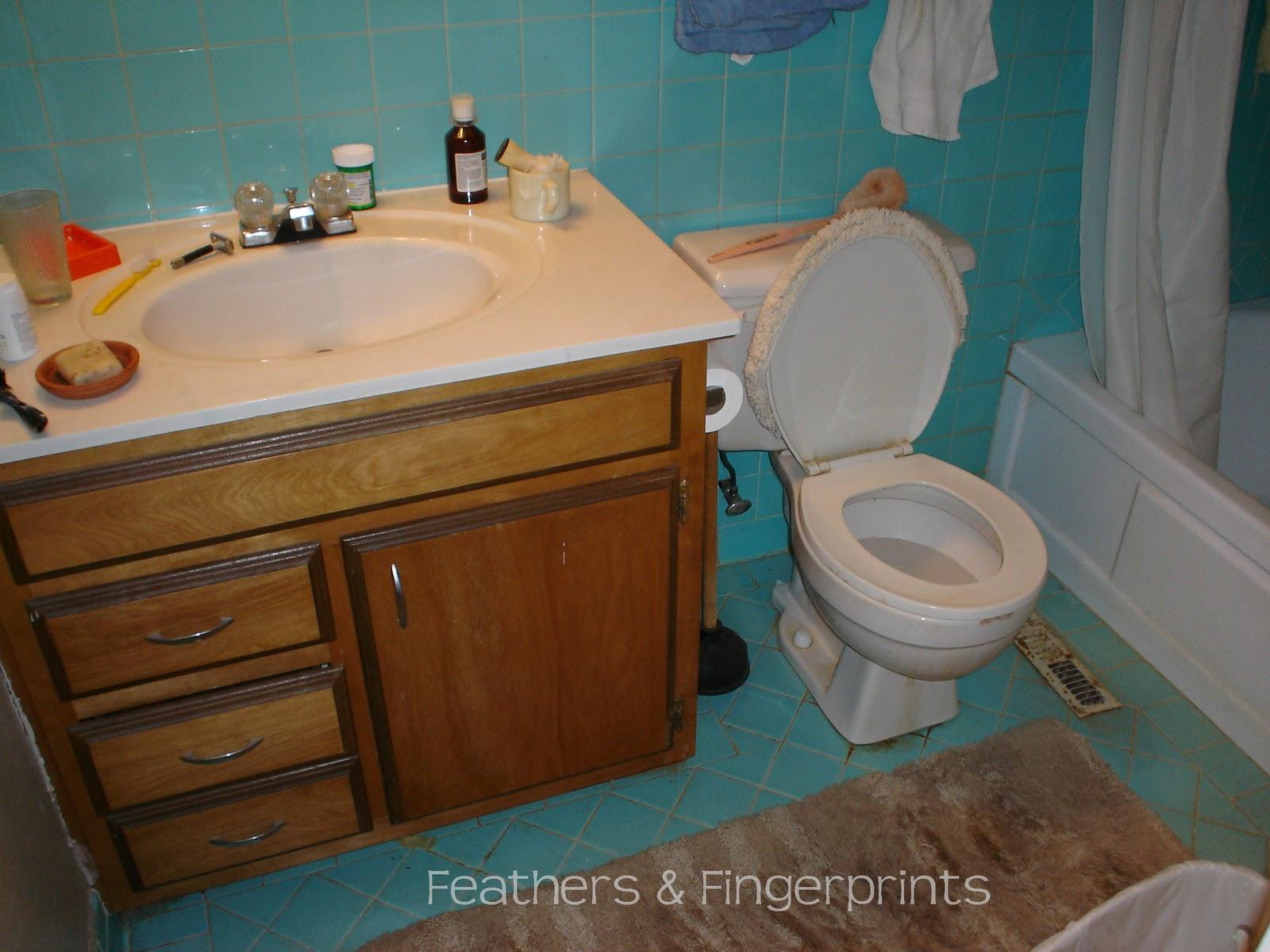 hd wallon  Wallpaper Behind Toilet