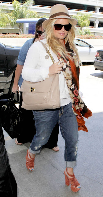 Jessica Simpson Spotted At LAX Airport Latest Pictures