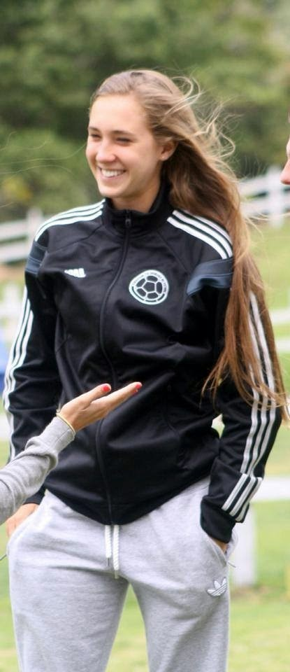 Soccer player babe shoves all her fingers in her hungry pussy