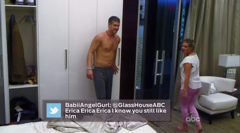 Kevin Braun Shirtless in The Glass House s1e06