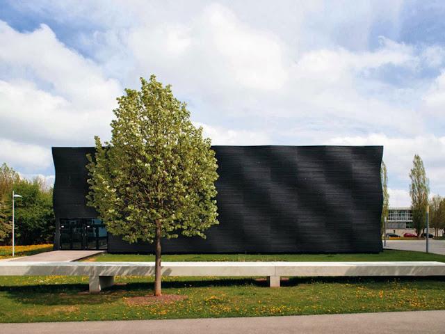 02-Lecture-Hall-by-Deubzer-König-Rimmel-Architekten