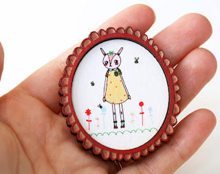 Framed pretty bunny brooch - Collaboration with Made By White