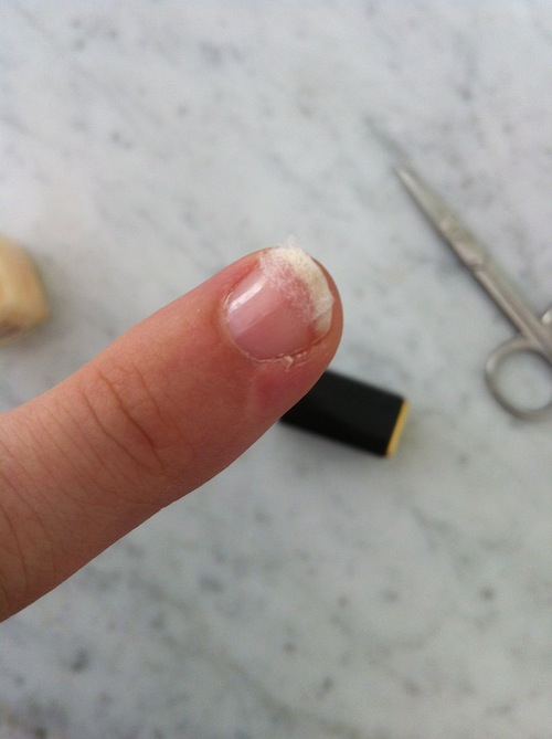 how to fix a broken nail without a tea bag