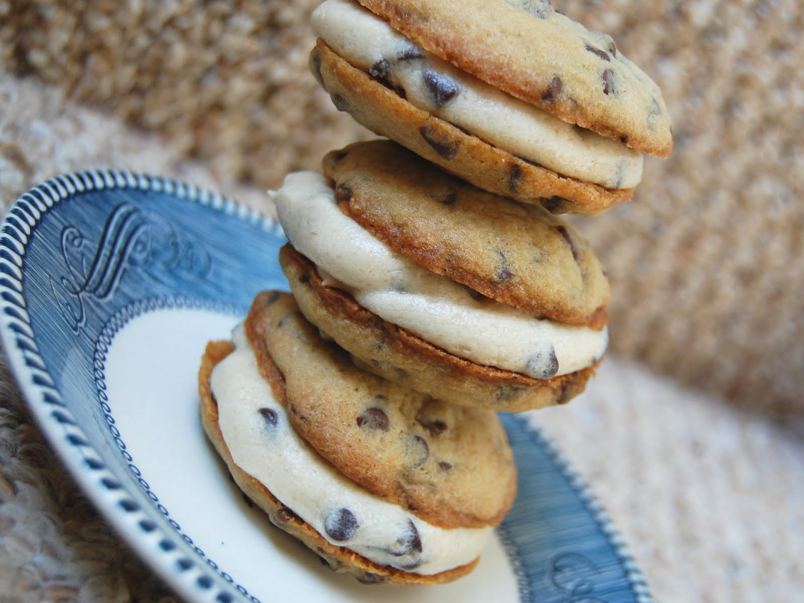 Cassie Craves: Chocolate Chip Cookie Whoopie Pies with Cookie ...