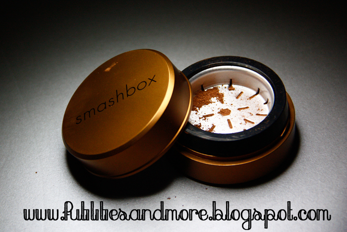 Smashbox, Halo Hydrating Perfecting Bronzer, beauty, makeup, bronzer, blog, review, high end, futilitiesandmore.blogspot.com, futilities and more, futilitiesandmore