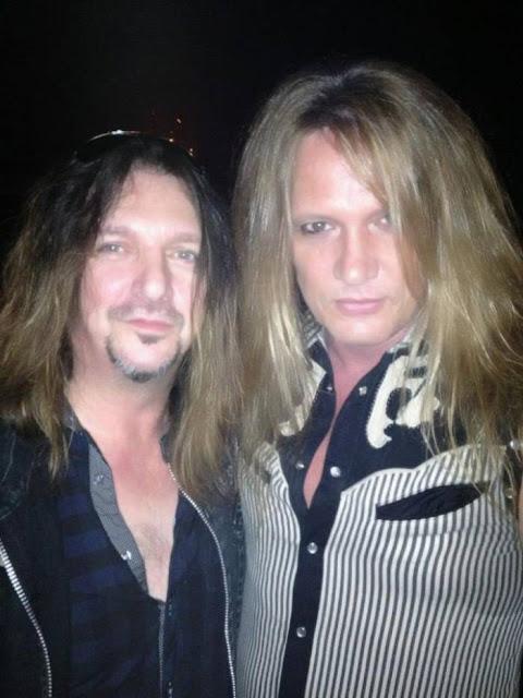 Foto de Sebastian e Snake juntos em 2012
