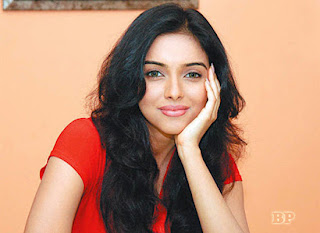 Asin_Thottumkal_Bollywood_8