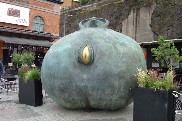 Torso sculpture, Dan Wolgers, outside Fotografiska, Stockholm