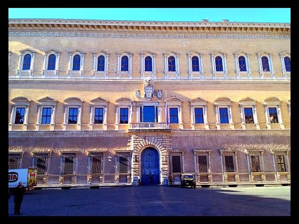 Palazzo Farnese na Piazza Farnese
