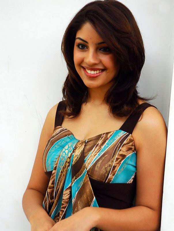 Richa Gangopadhyay Sleeveless Pictures Photoshoot images