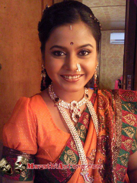 Arre Vedya Mana Star Pravah Serial Title Track Video