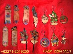 Aneka Souvenir Wayang Kulit