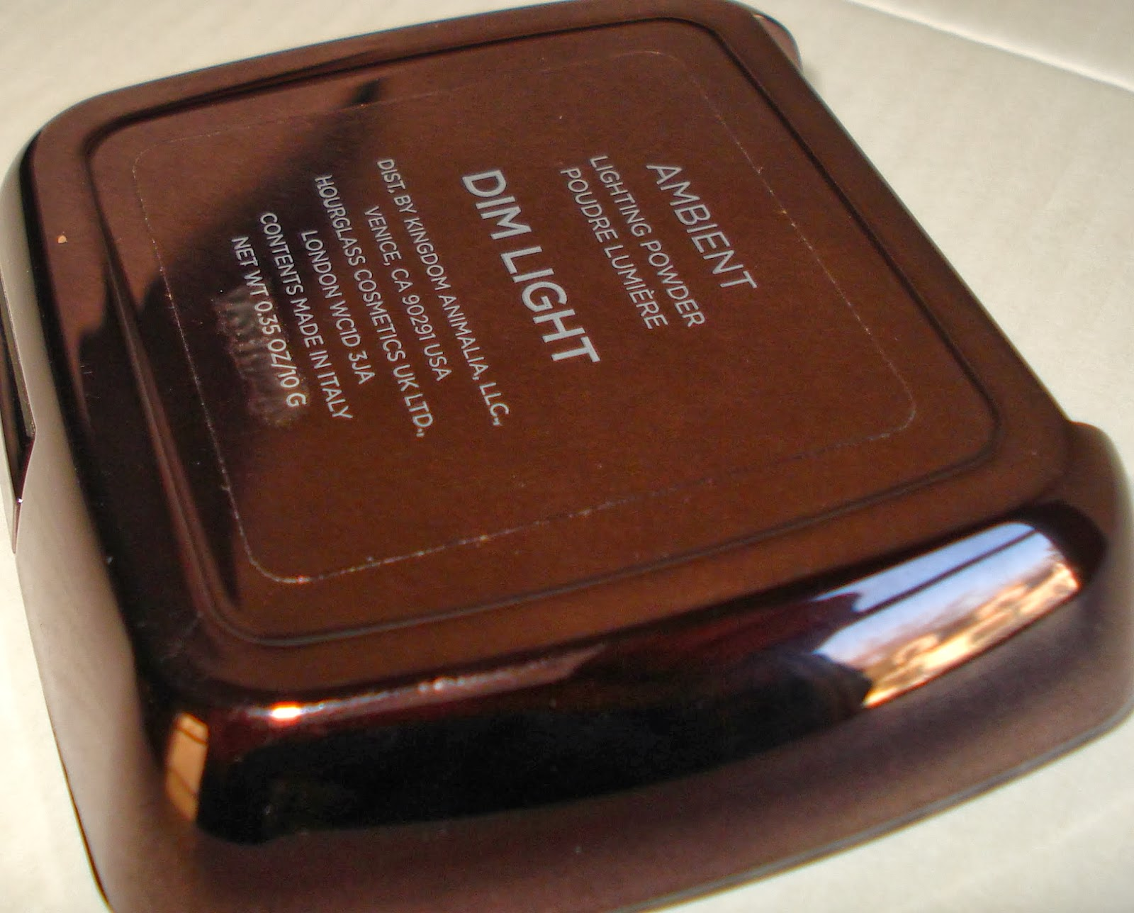 Hourglass Ambient Lighting Powder Dim Light