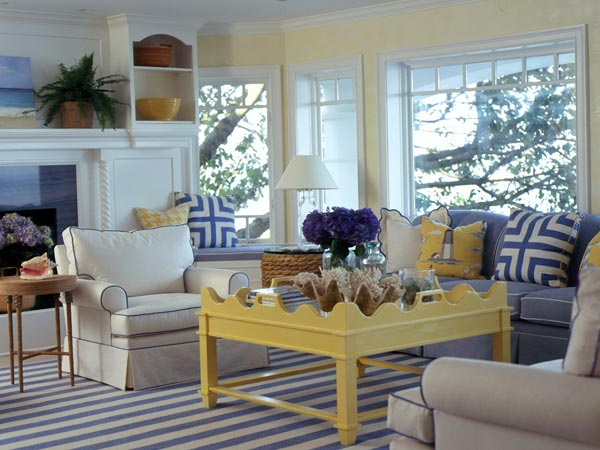 Blue and yellow living room decor 2017 grasscloth wallpaper Decorating with yellow and blue