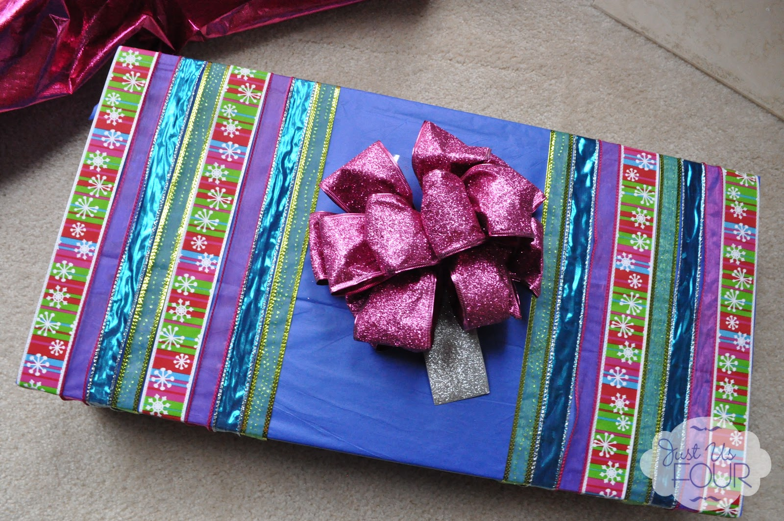 how to send a wrapped gift in the mail