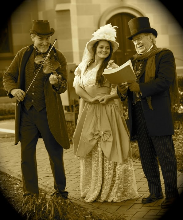 Christmas in Savannah with Old City Walks Dickens Christmas caroling tour
