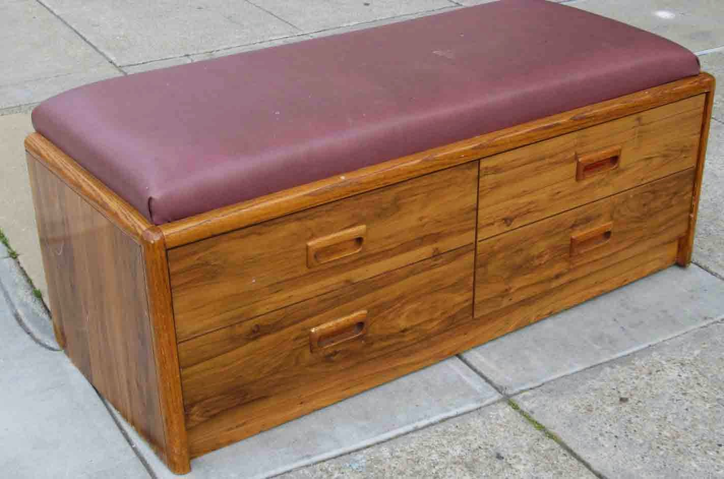 Uhuru Furniture Collectibles Sold Cushion Top Bench With Storage 30