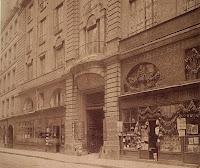 Balcons de l'hôtel de Beauvais avec restauration, photo de Atget vers 1900