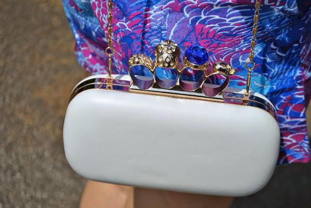 borsa in pelle bianca con chiusura teschio modello alexander mc queen mariafelicia magno fashion blogger colorblock by felym fashion blog italiani fashion blogger italiane fashion bloggers italy
