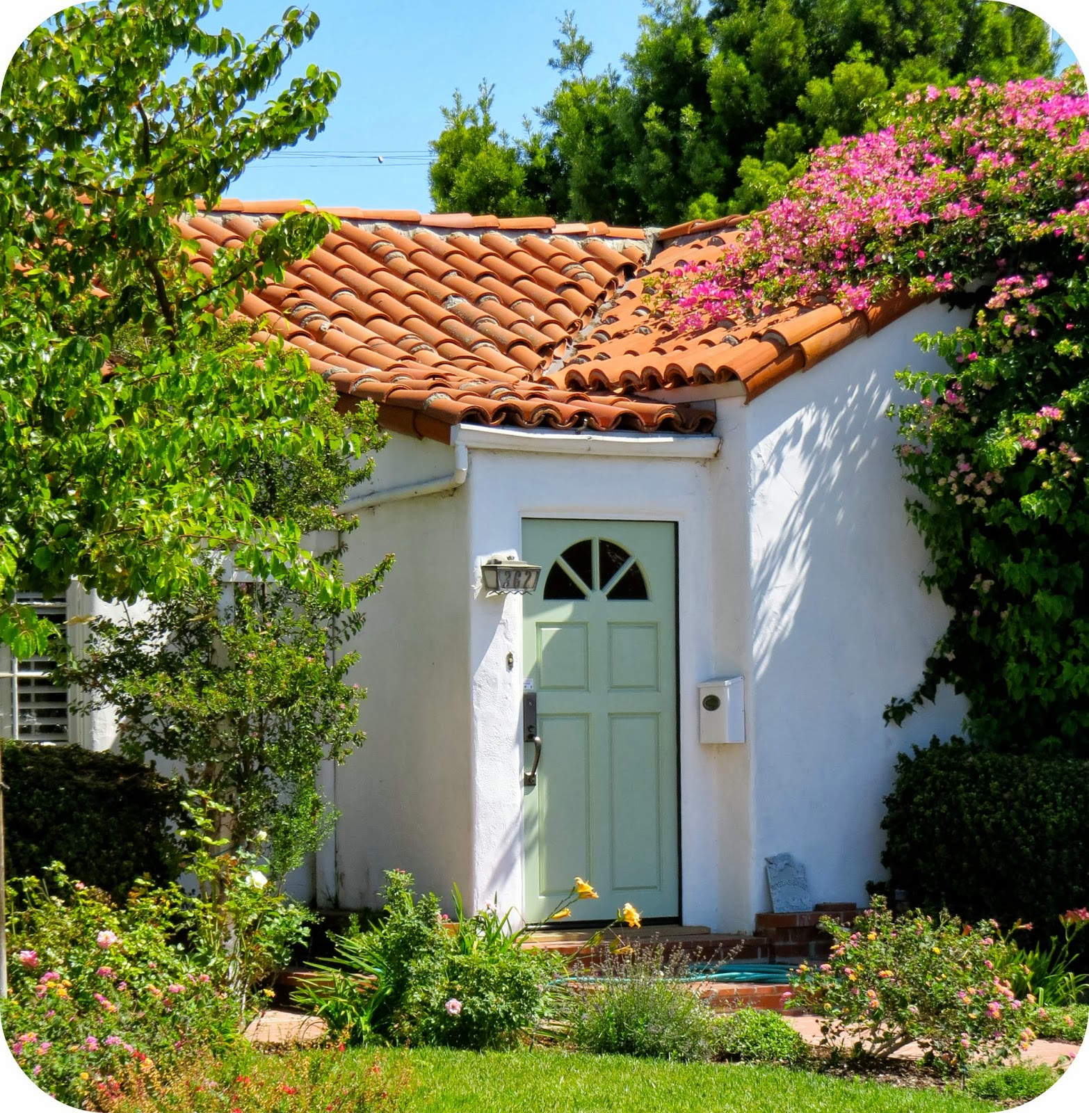 Red Tile Roof White House Green Door How Can You Go Wrong