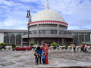 Bangunan Alat Kebesaran Di Raja Brunei