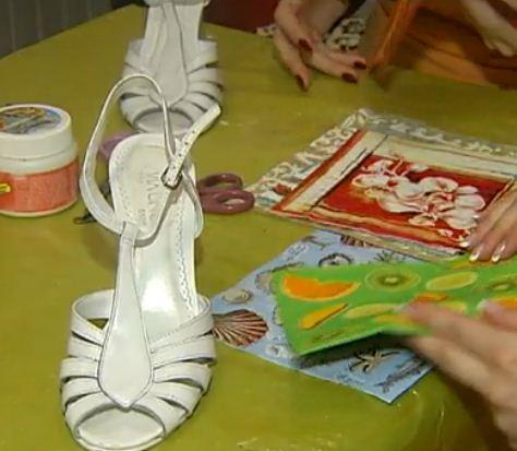 Zapatos decorados en decoupage cositasconmesh - Pegamento para decoupage ...