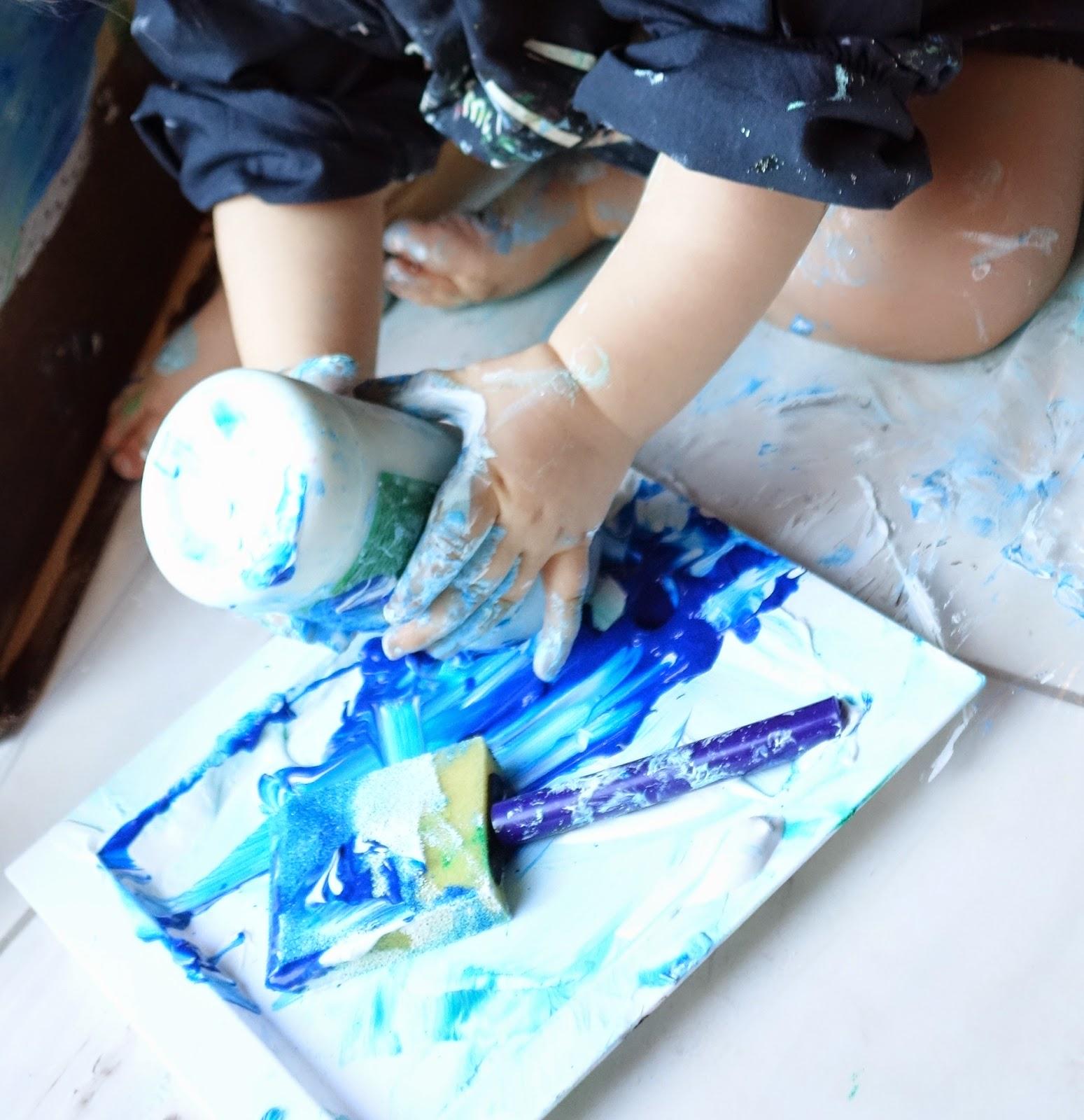 pots-de-peinture