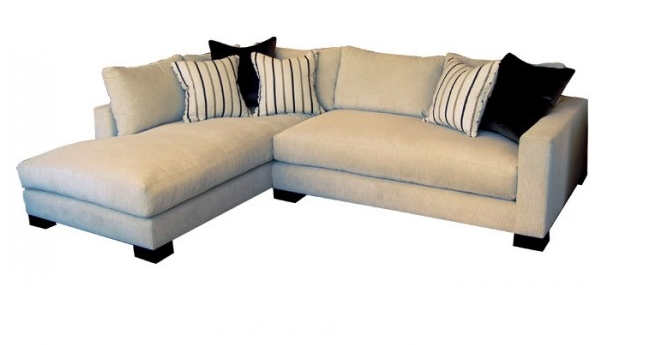 Blanco interiores ent o e sof s com chaise longue so for Especie de sofa