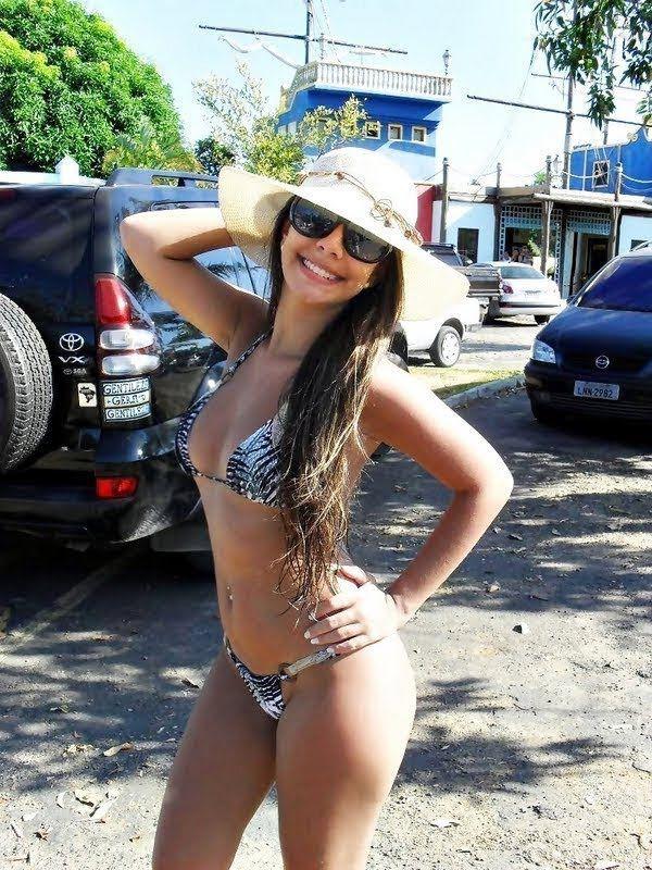 Girlfriend bikini powered by vbulletin