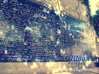 Dinding Aku Cinta Padamu di Paris