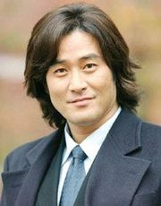 Biodata Choi Min Soo Pemeran Moon Hee Man