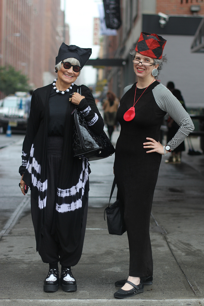 Idiosyncratic Fashionistas Midweek Snack Us In Chicago Street Style