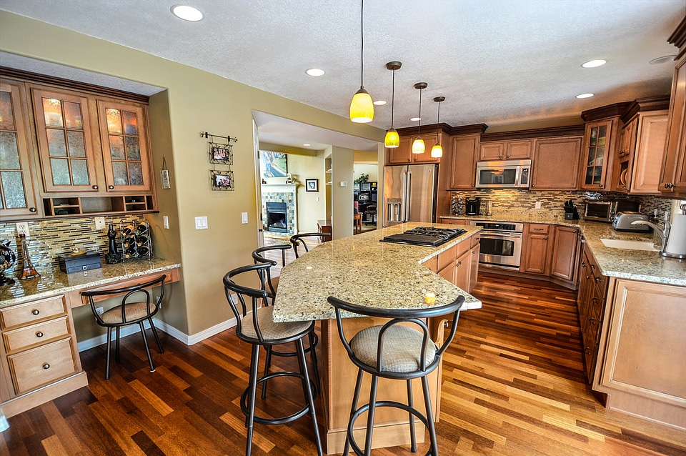 Spruce Up Your Kitchen Island with Great Kitchen Cabinets Ideas