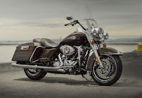 Harley-Davidson Road King 110th Anniversary Edition (2013) Front Side